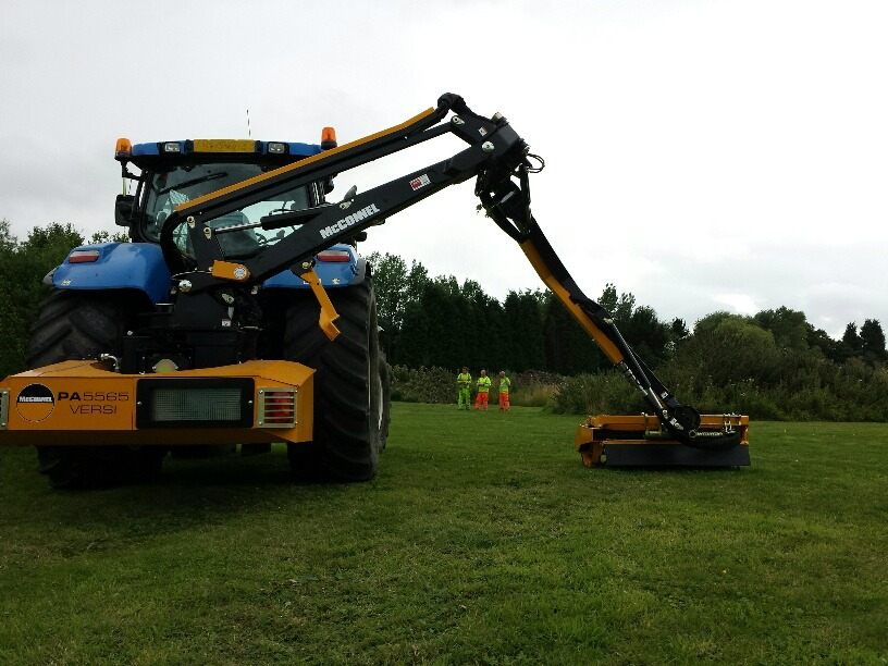 Newholland with arm out